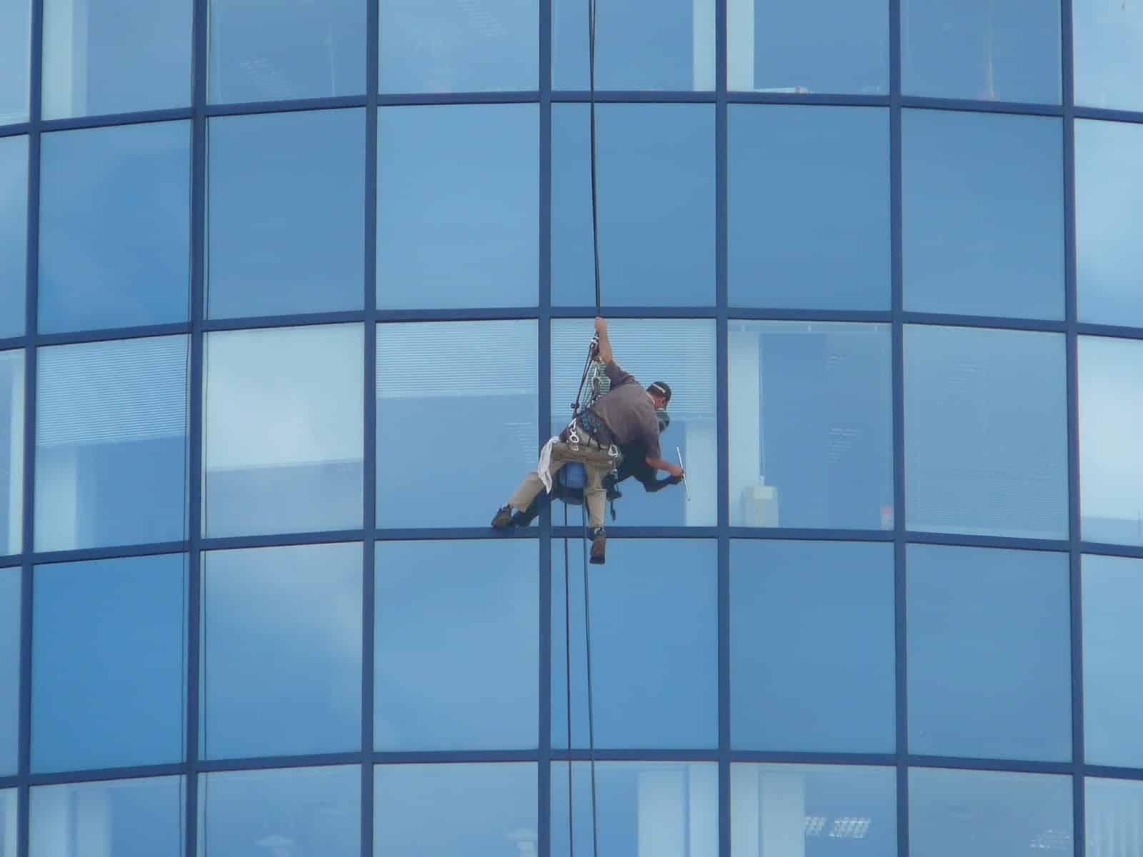 شركة تنظيف واجهات زجاج بابها 0550362055
